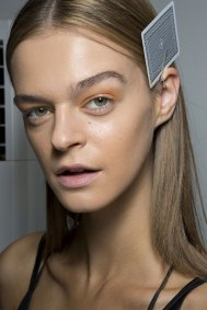 Holly-Fulton-beauty-spring-2016-fashion-show-the-impression-046