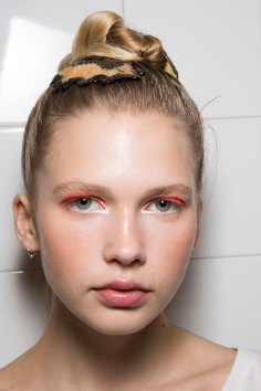 IM-Isola-Marras-spring-2016-beauty-fashion-show-the-impression-17