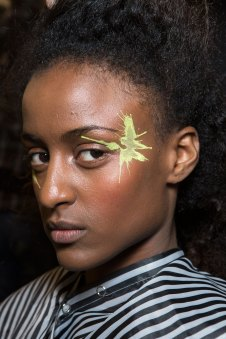 Issey-Miyake-spring-2016-beauty-fashion-show-the-impression-16