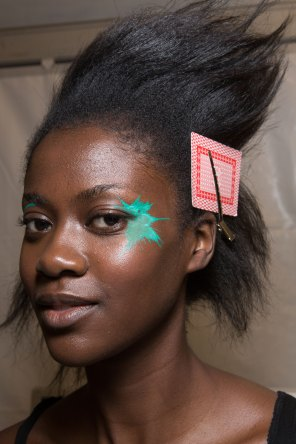 Issey-Miyake-spring-2016-beauty-fashion-show-the-impression-24
