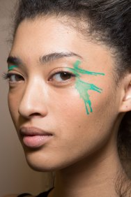 Issey-Miyake-spring-2016-beauty-fashion-show-the-impression-35