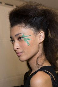 Issey-Miyake-spring-2016-beauty-fashion-show-the-impression-46