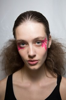 Issey-Miyake-spring-2016-beauty-fashion-show-the-impression-50