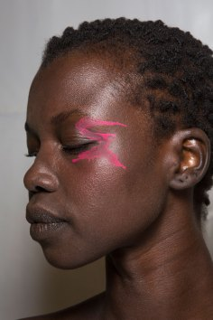 Issey-Miyake-spring-2016-beauty-fashion-show-the-impression-75