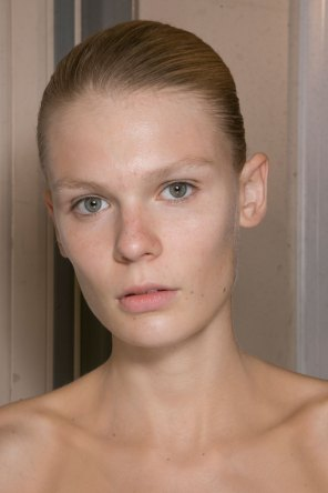 JW-Anderson-beauty-spring-2016-fashion-show-the-impression-020