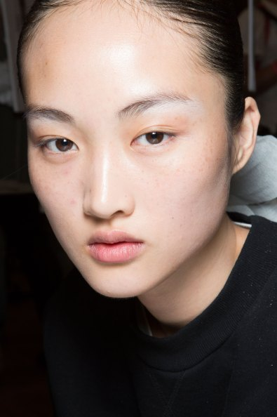 JW-Anderson-beauty-spring-2016-fashion-show-the-impression-052