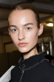 JW-Anderson-beauty-spring-2016-fashion-show-the-impression-069