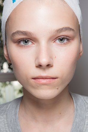 Jil-Sander-backstage-beauty-spring-2016-close-up-fashion-show-the-impression-046