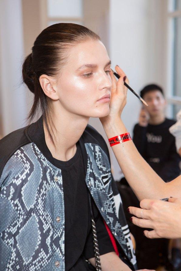 Jil-Sander-backstage-beauty-spring-2016-close-up-fashion-show-the-impression-073