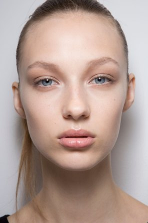 Jil-Sander-backstage-beauty-spring-2016-close-up-fashion-show-the-impression-077