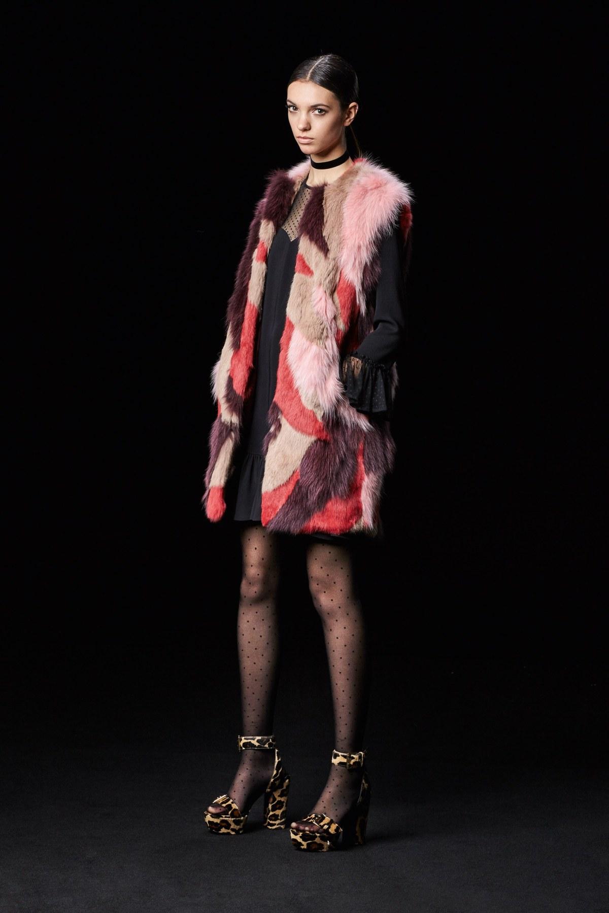 just-cavalli-pre-fall-2017-fashion-show-the-impression-06