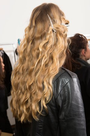 Lemaire-spring-2016-beauty-fashion-show-the-impression-01