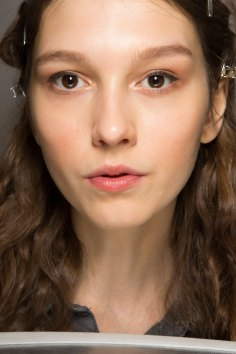 Lemaire-spring-2016-beauty-fashion-show-the-impression-31