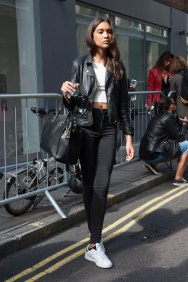London-Fashion-Week-Street-Style-Day-1-spring-2016-the-impression-001