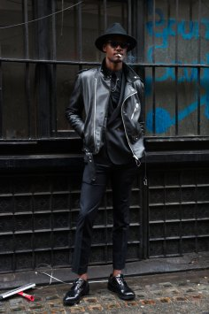 London-Fashion-Week-Street-Style-Day-1-spring-2016-the-impression-043
