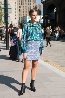 London-fashion-week-street-Style-Day-3-spring-2016-fashion-show-the-impression-049