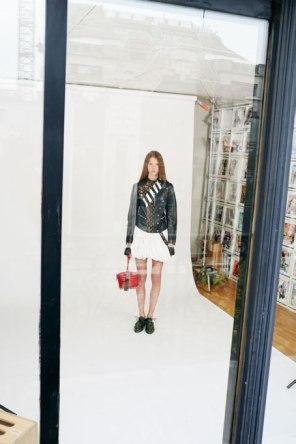 Louis-Vuitton-Strange-days-spring-2016-lookbook-the-impression-01