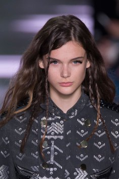 Louis-Vuitton-spring-2016-runway-beauty-fashion-show-the-impression-29