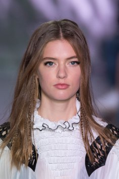 Louis-Vuitton-spring-2016-runway-beauty-fashion-show-the-impression-33