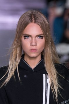 Louis-Vuitton-spring-2016-runway-beauty-fashion-show-the-impression-47