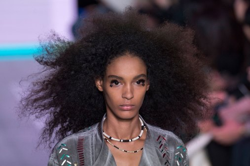 Louis-Vuitton-spring-2016-runway-beauty-fashion-show-the-impression-56