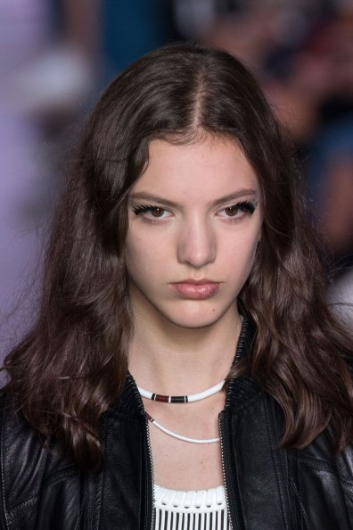Louis-Vuitton-spring-2016-runway-beauty-fashion-show-the-impression-60