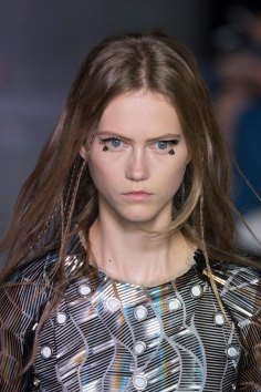 Louis-Vuitton-spring-2016-runway-beauty-fashion-show-the-impression-63