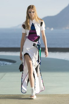 Louis-vuitton-resort-2017-the-impression-005