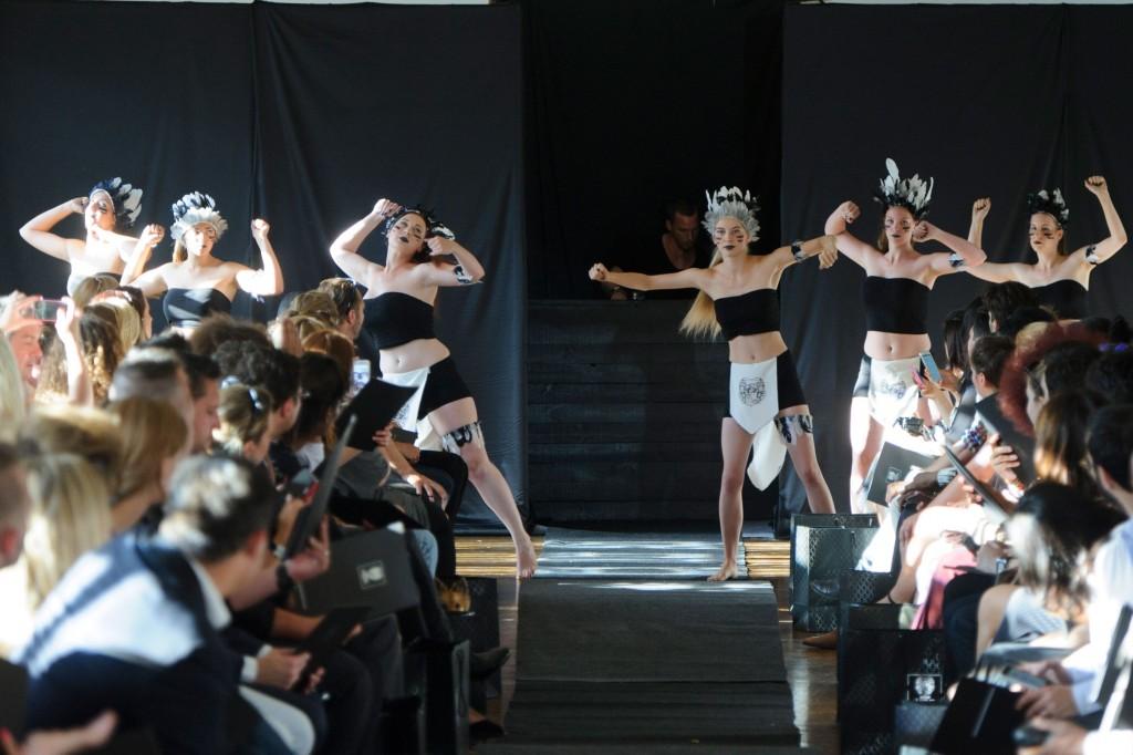 Maison-Anoufa-fall-2015-couture-show-the-impression-002