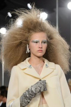 Maison-Margiela-spring-2016-runway-beauty-fashion-show-the-impression-003