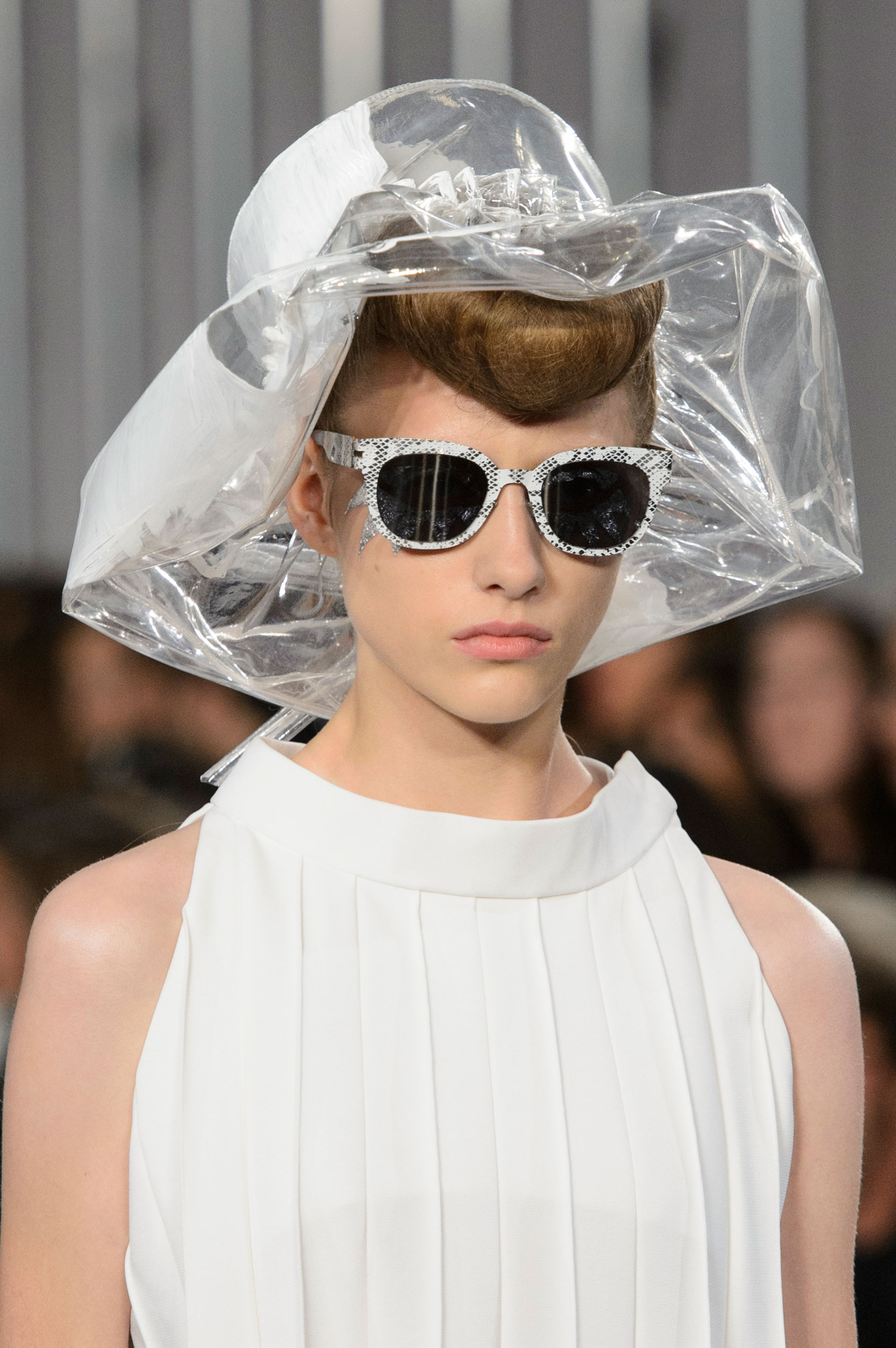 Maison-Margiela-spring-2016-runway-beauty-fashion-show-the-impression-014
