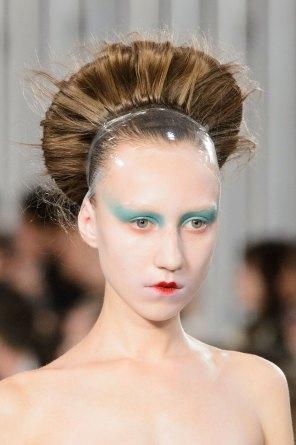 Maison-Margiela-spring-2016-runway-beauty-fashion-show-the-impression-035