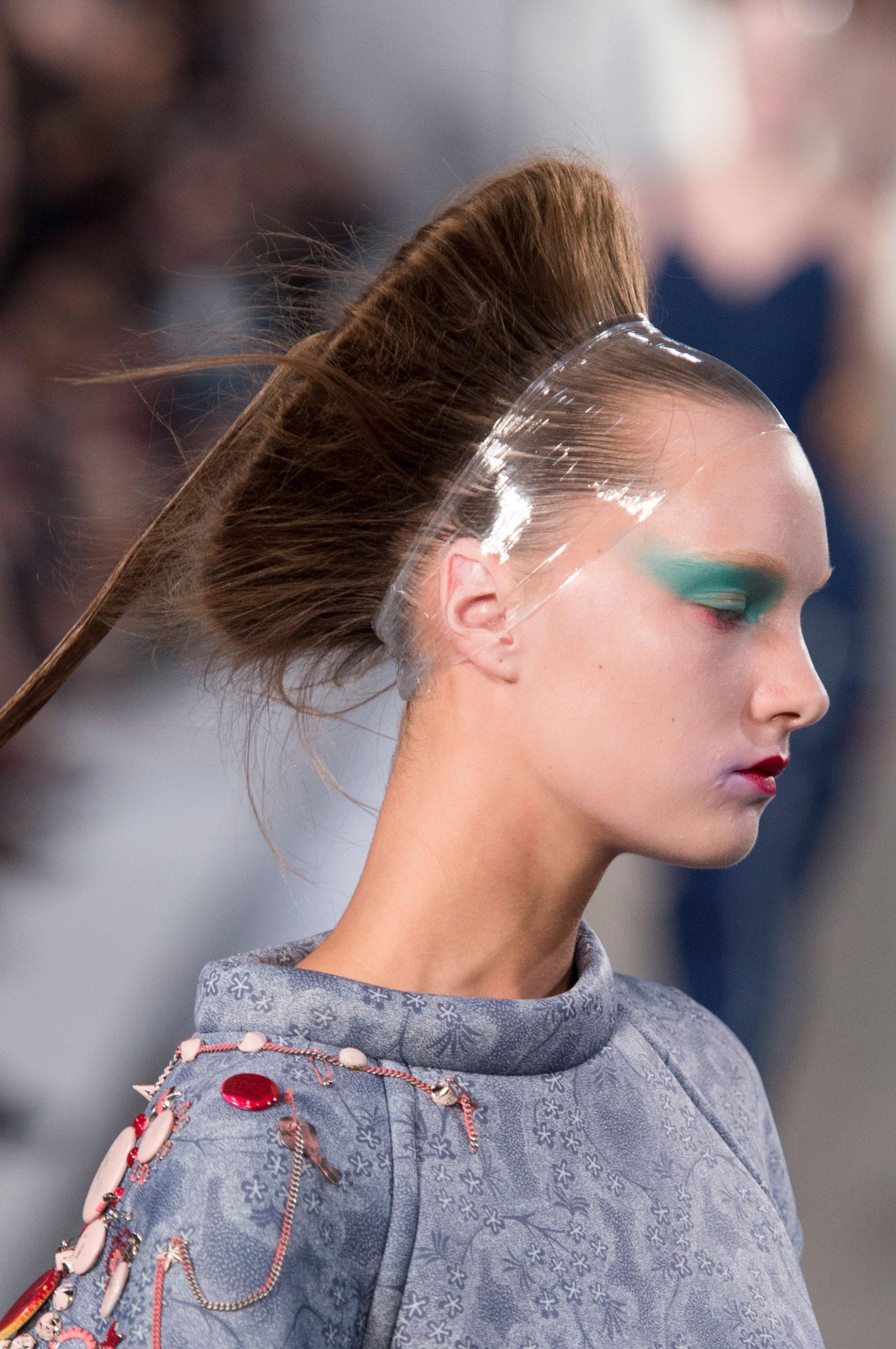 Maison-Margiela-spring-2016-runway-beauty-fashion-show-the-impression-052