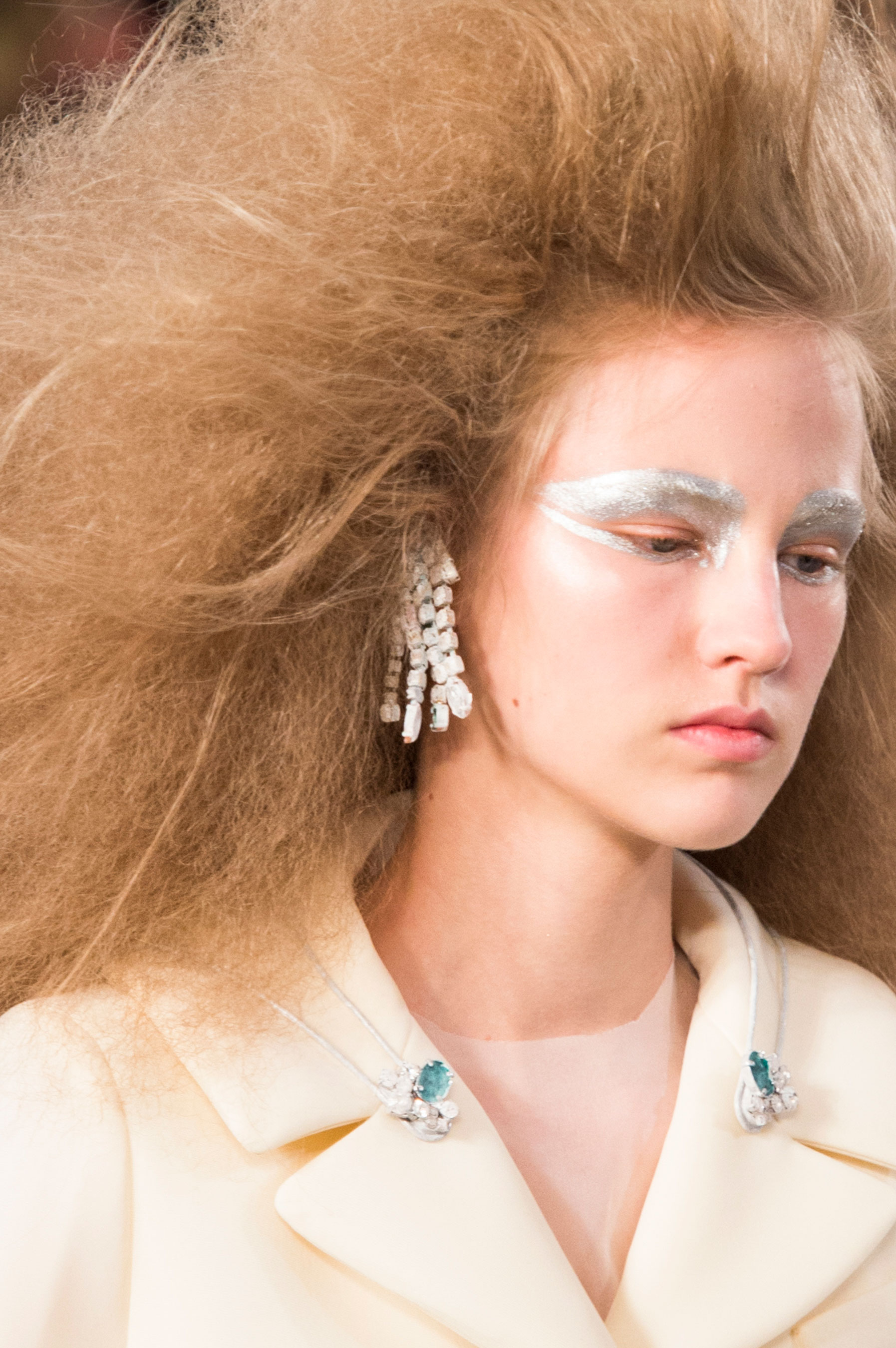 Maison-Margiela-spring-2016-runway-beauty-fashion-show-the-impression-066