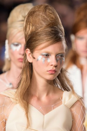 Maison-Margiela-spring-2016-runway-beauty-fashion-show-the-impression-069