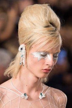 Maison-Margiela-spring-2016-runway-beauty-fashion-show-the-impression-071