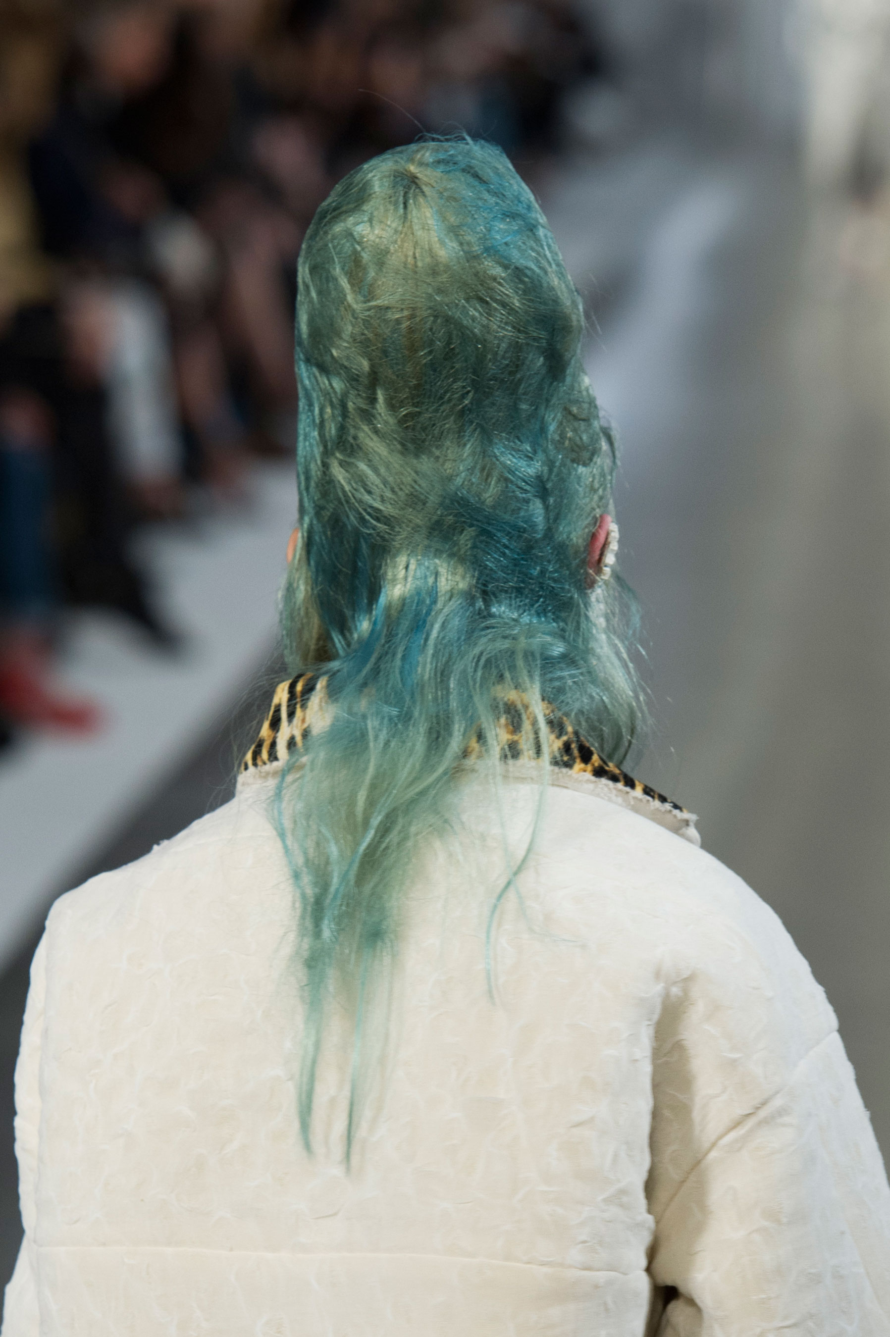 Maison-Margiela-spring-2016-runway-beauty-fashion-show-the-impression-094