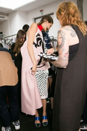 Marni-backstage-beauty-spring-2016-fashion-show-the-impression-030