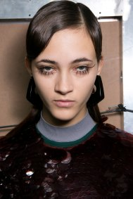Marni-backstage-beauty-spring-2016-fashion-show-the-impression-046