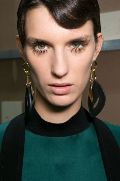 Marni-backstage-beauty-spring-2016-fashion-show-the-impression-051
