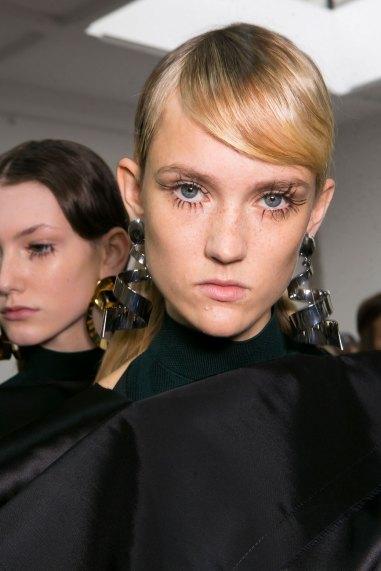 Marni-backstage-beauty-spring-2016-fashion-show-the-impression-069