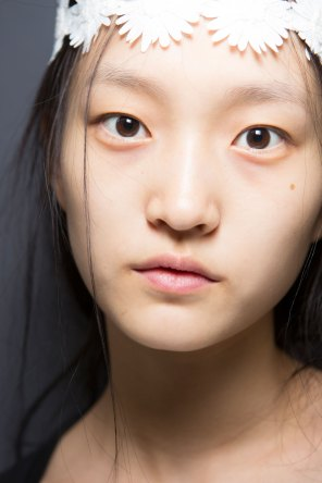 Moncler-Gamme-Rouge-spring-2016-beauty-fashion-show-the-impression-35