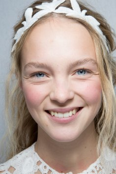 Moncler-Gamme-Rouge-spring-2016-beauty-fashion-show-the-impression-47