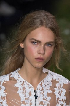 Moncler-Gamme-Rouge-spring-2016-runway-beauty-fashion-show-the-impression-21