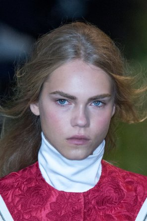 Moncler-Gamme-Rouge-spring-2016-runway-beauty-fashion-show-the-impression-47