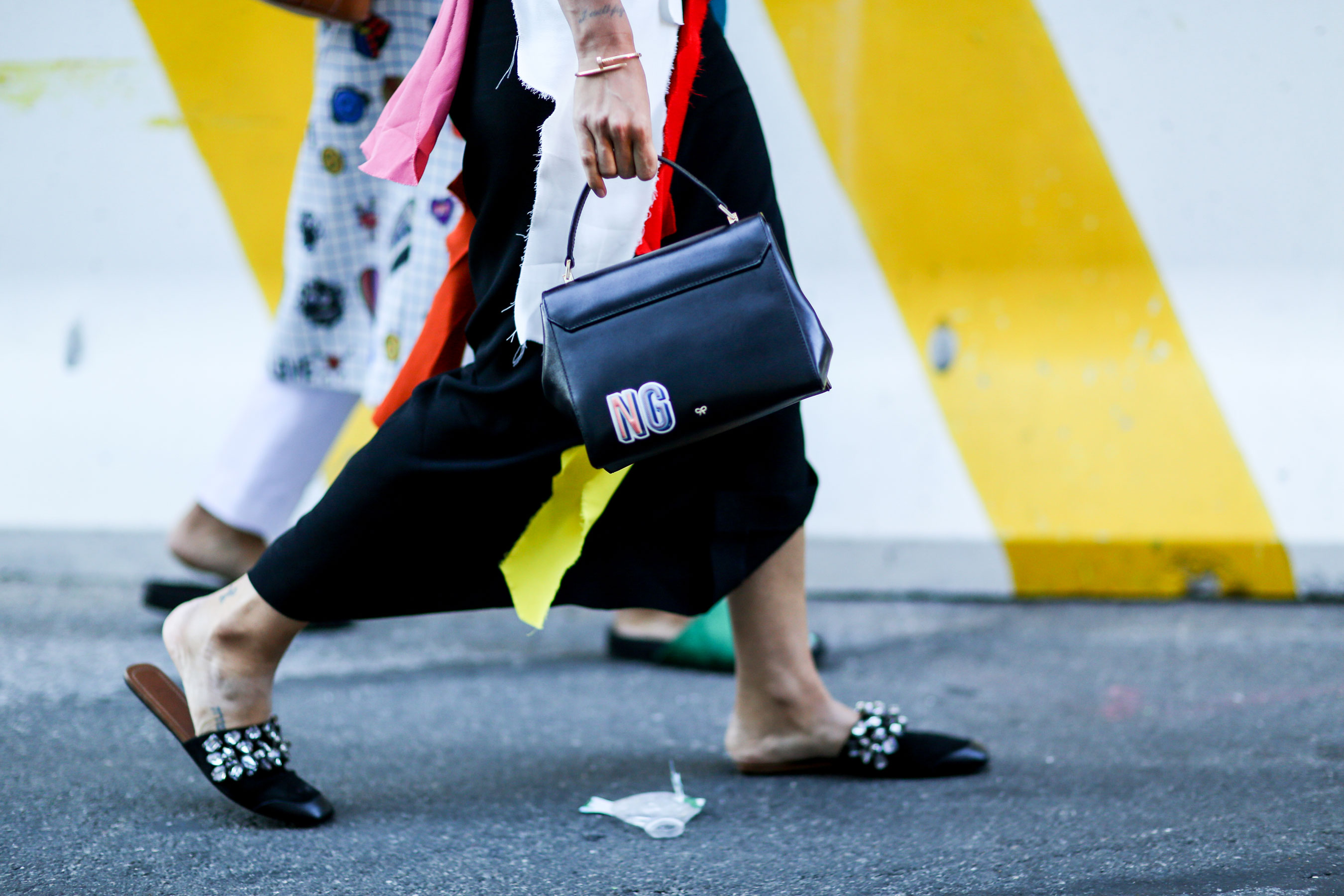 NEW-YORK-FASHION-WEEK-STREETS-STYLE-DAY5-spring-2016-fashion-show-the-impression-01 (1)