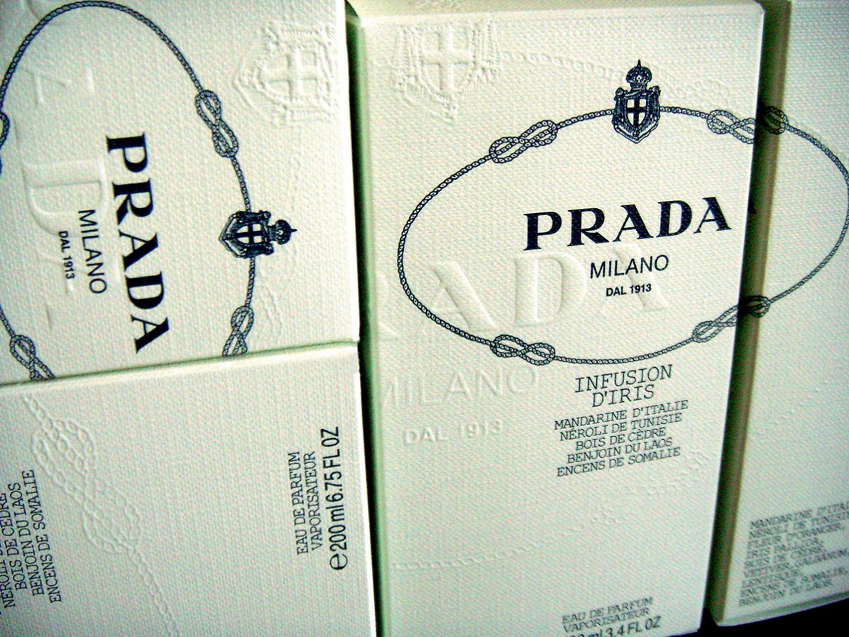 PRADA_PACKAGING_IRIS_02 copie