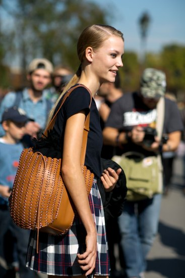 Paris-fashion-week-street-style-day-5-october-2015-the-impression-018