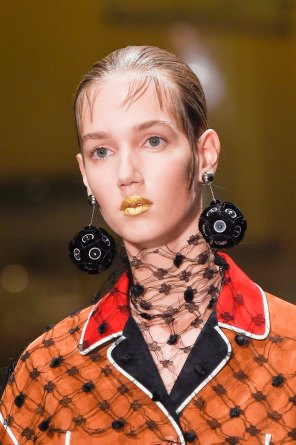 Prada-spring-2016-runway-beauty-fashion-show-the-impression-019