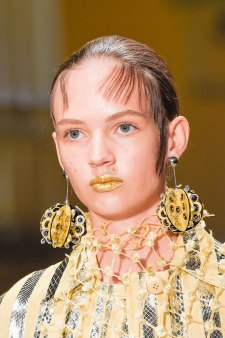 Prada-spring-2016-runway-beauty-fashion-show-the-impression-050